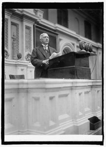 """""""Dr. Edwin Anderson Alderman of U. of Va. At Wilson memorial service, [12/15/24]"""" in National Photo Company Collection (LC-F81- 33599 [P&P]), Library of Congress Prints and Photographs Division Washington, D.C."""
